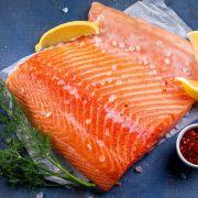 Филе лосося малосольное (2)